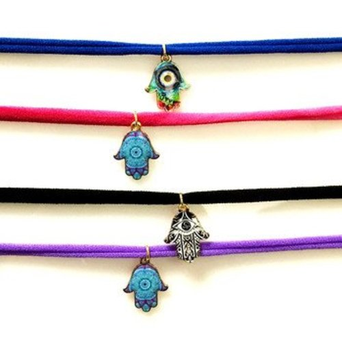 Hamsa on String Choker