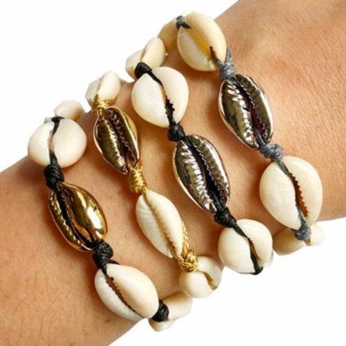 Metallic Shell Bracelet