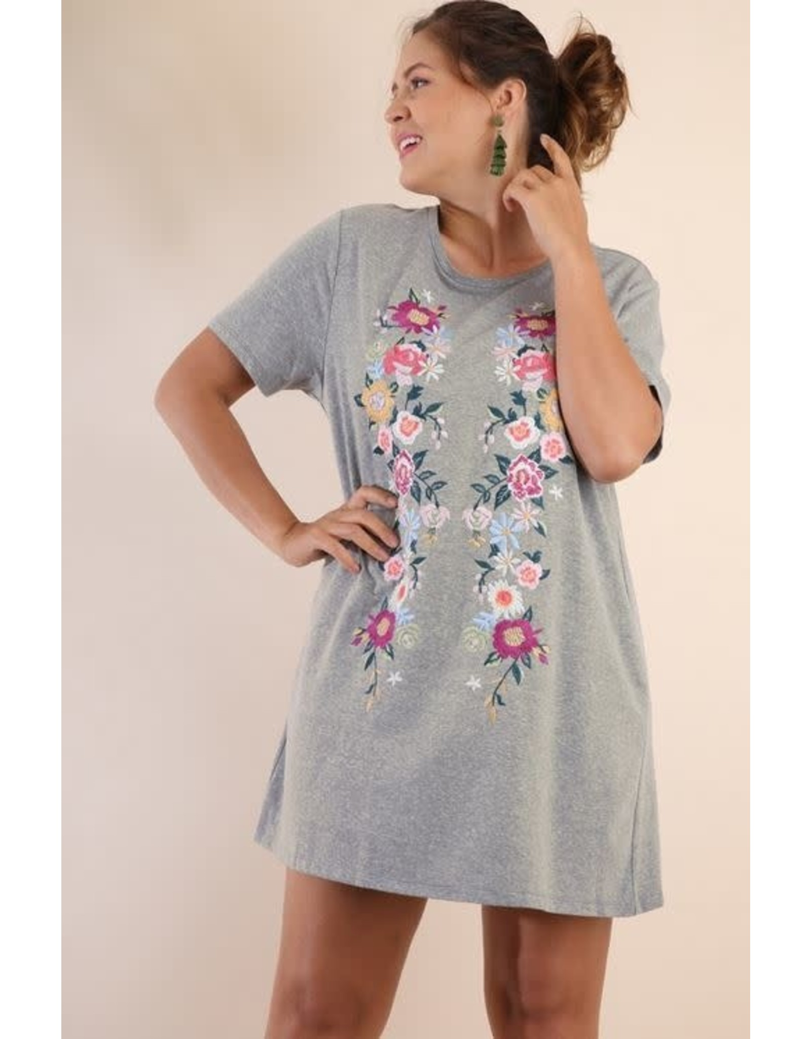 LIGHT GREY FLORAL EMBROIDERED SHORT SLEEVE TEE DRESS