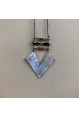SILVER METAL CHEVRON PLATE WITH BEAD NECKLACE