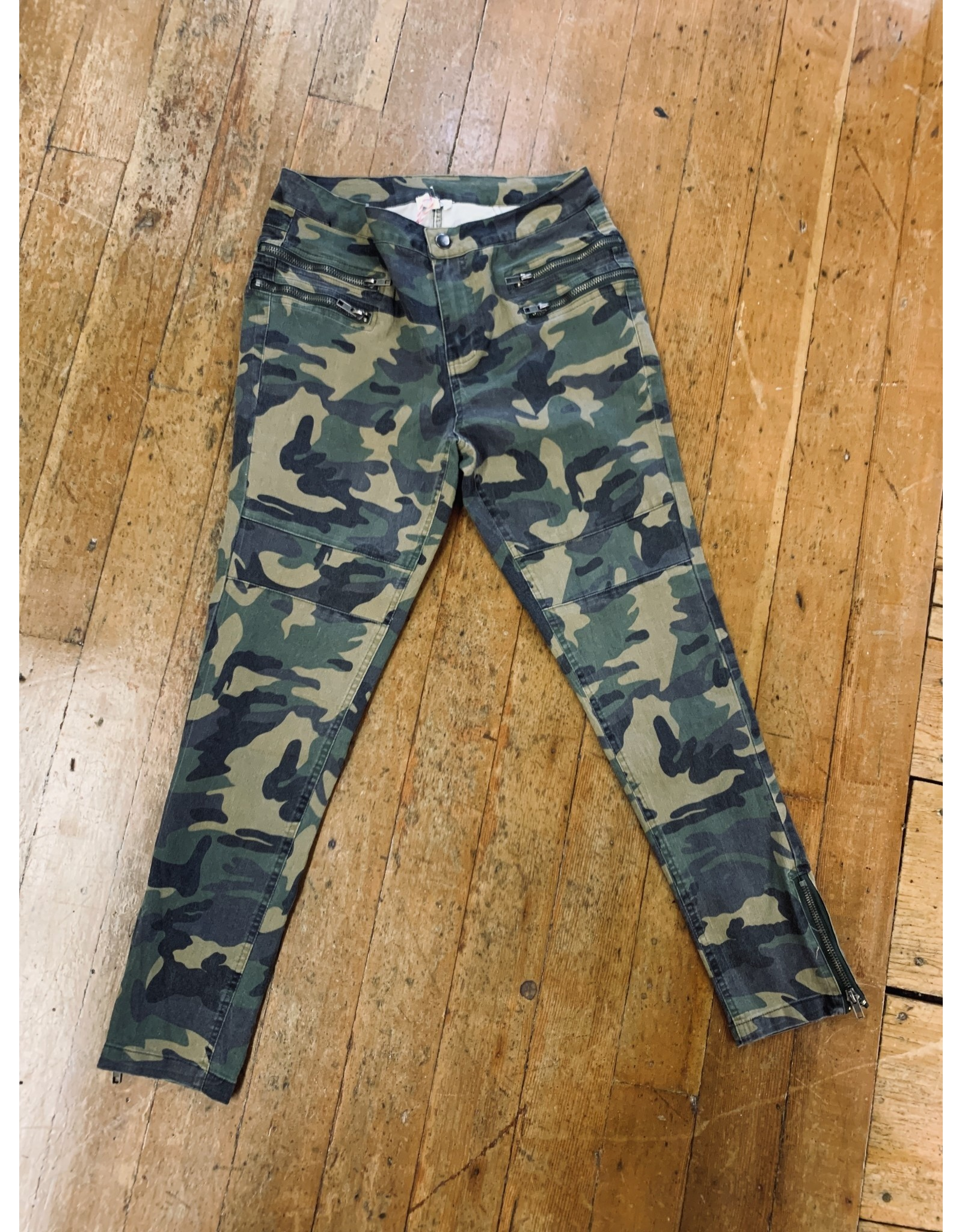 CAMO MOTO PANTS WITH ZIPPER FRONT AND ANKLE DETAIL