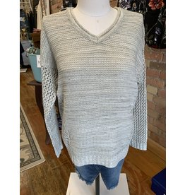 GREY VNECK PULLOVER WITH THERMAL STITCHED SLEEVES