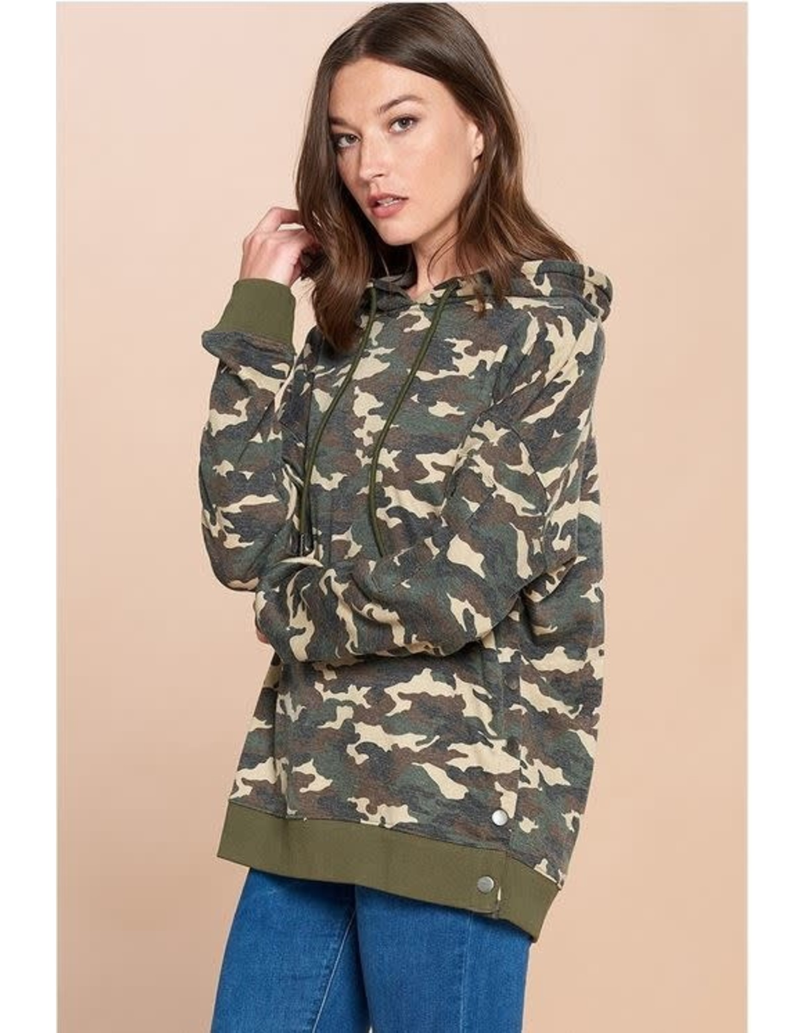 CAMO PULLOVER HOODIE W/ SIDE SNAP BUTTONS