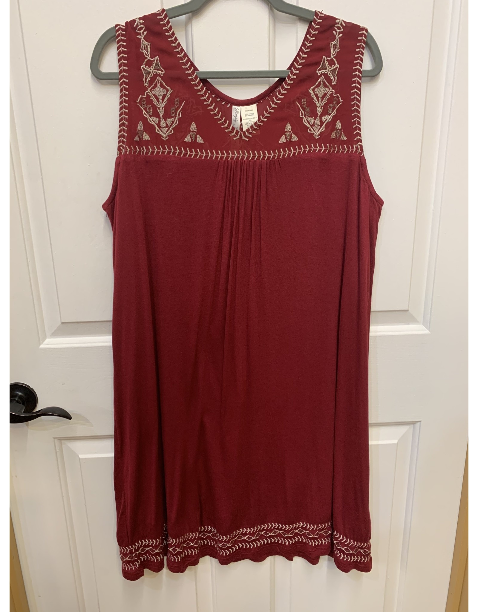 RED SOLID COLOR SLEEVELESS DRESS WITH GOLD EMBROIDERED DETAIL