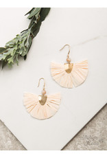 BEIGE BREEZY BEAUTY EARRING