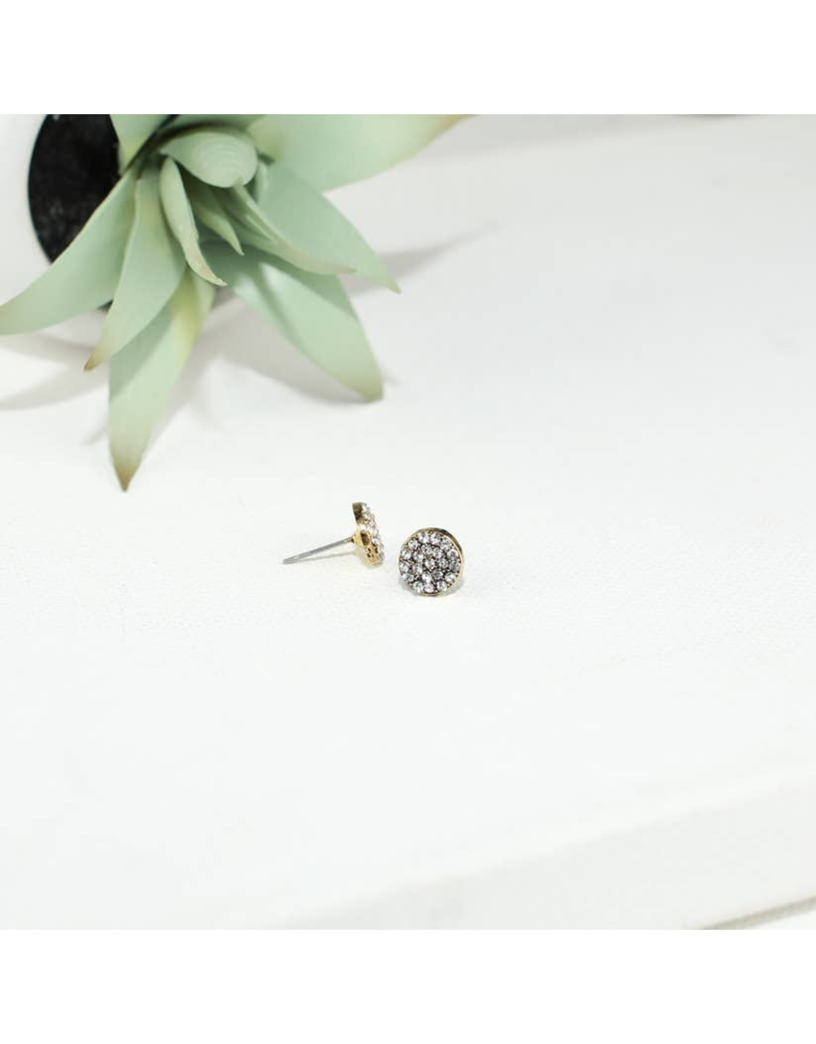 PAVE GOLD CIRCLE POST EARRING