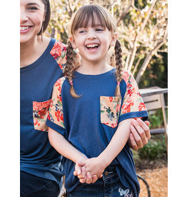 NAVY TEE WITH FLORAL PRINT SLEEVES AND POCKET