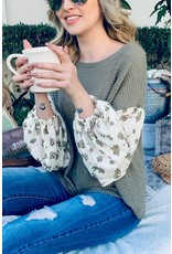 AND THE WHY OLIVE FLORAL PRINTED BALLOON SLEEVE WAFFLE KNIT TOP