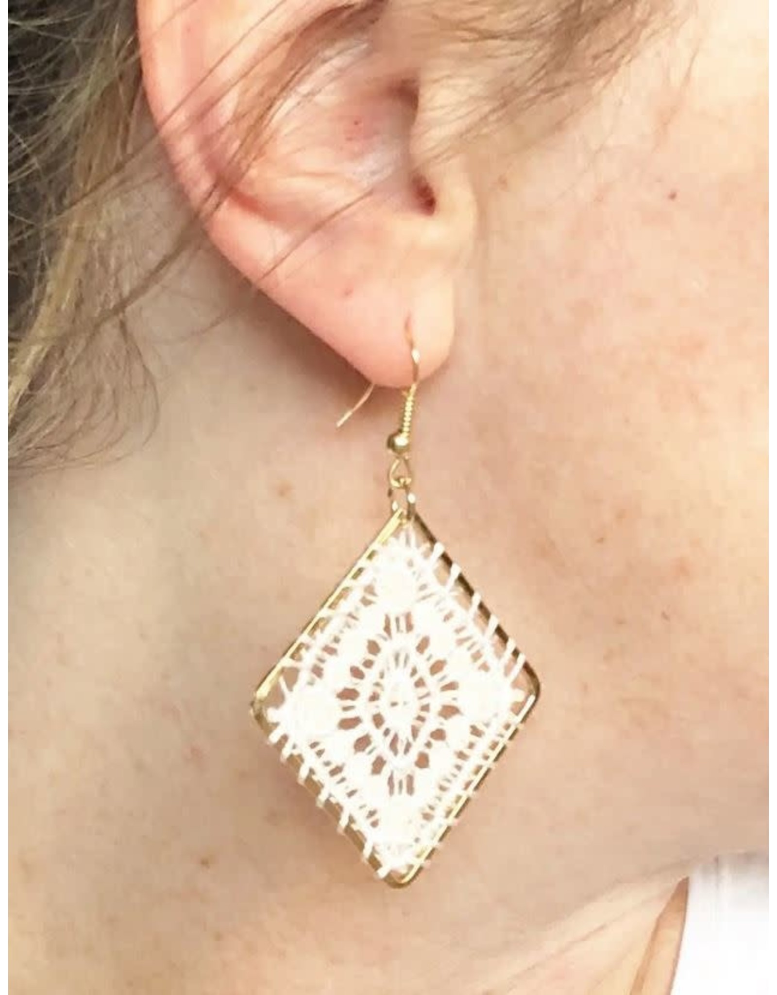 LACE DIAMOND DANGLE EARRING