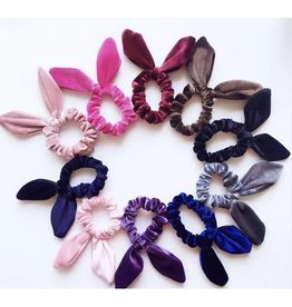 VELOUR BOW SCRUNCHIES ASSORTED -