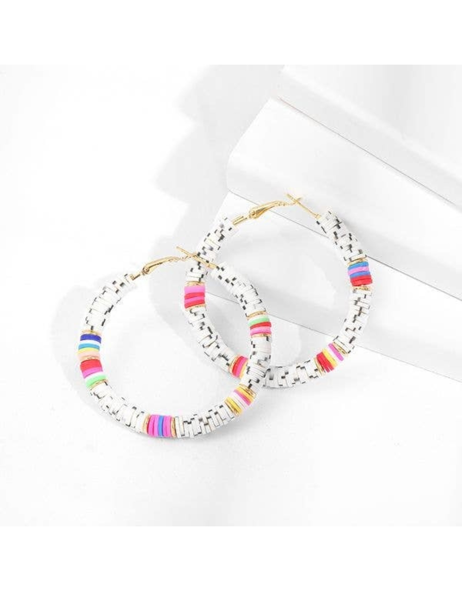 KOKO & LOLA WHITE MARBLE & RAINBOW CLAY RESIN HOOP EARRING