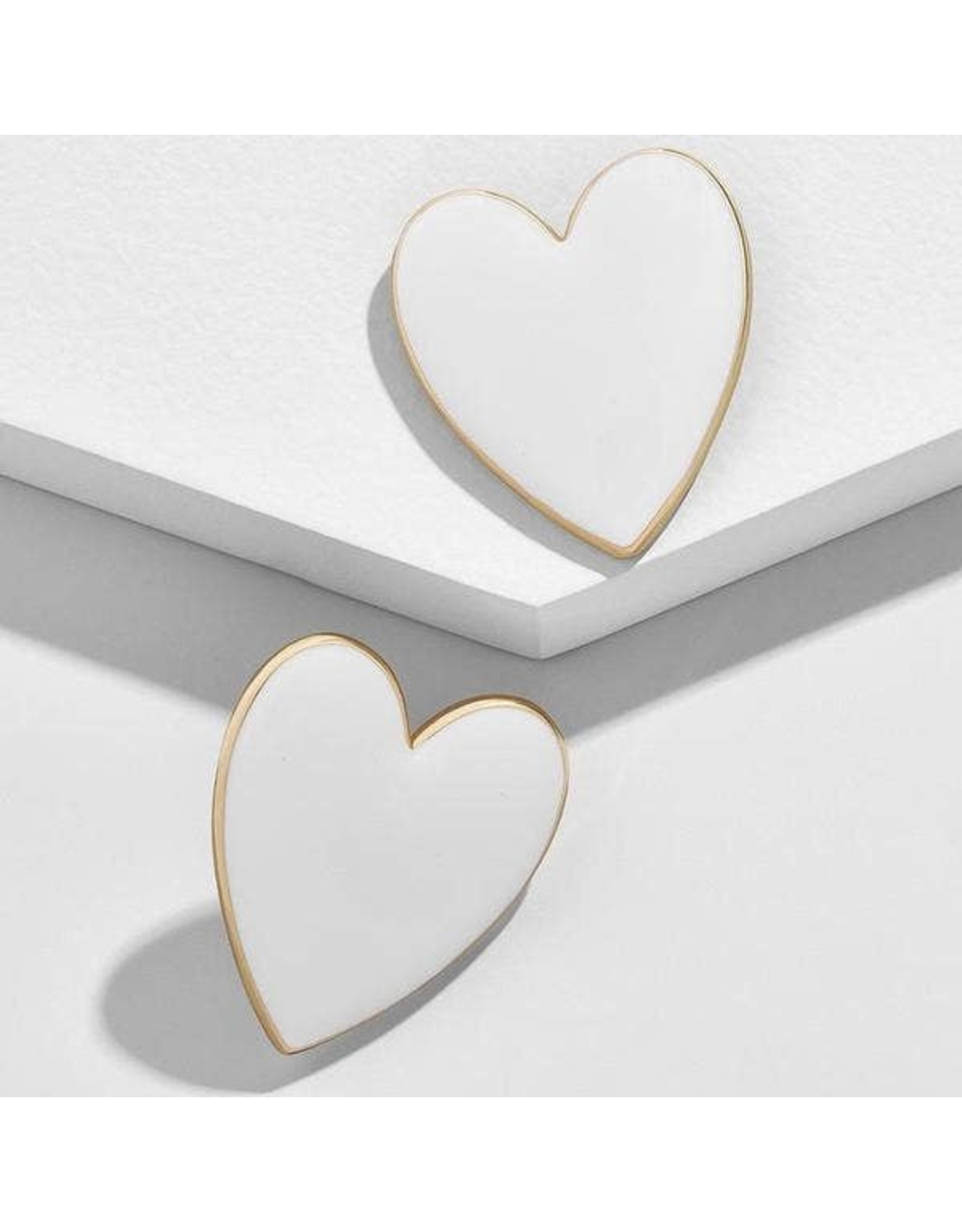 KOKO & LOLA WHITE & GOLD ACCENT HEART EARRINGS