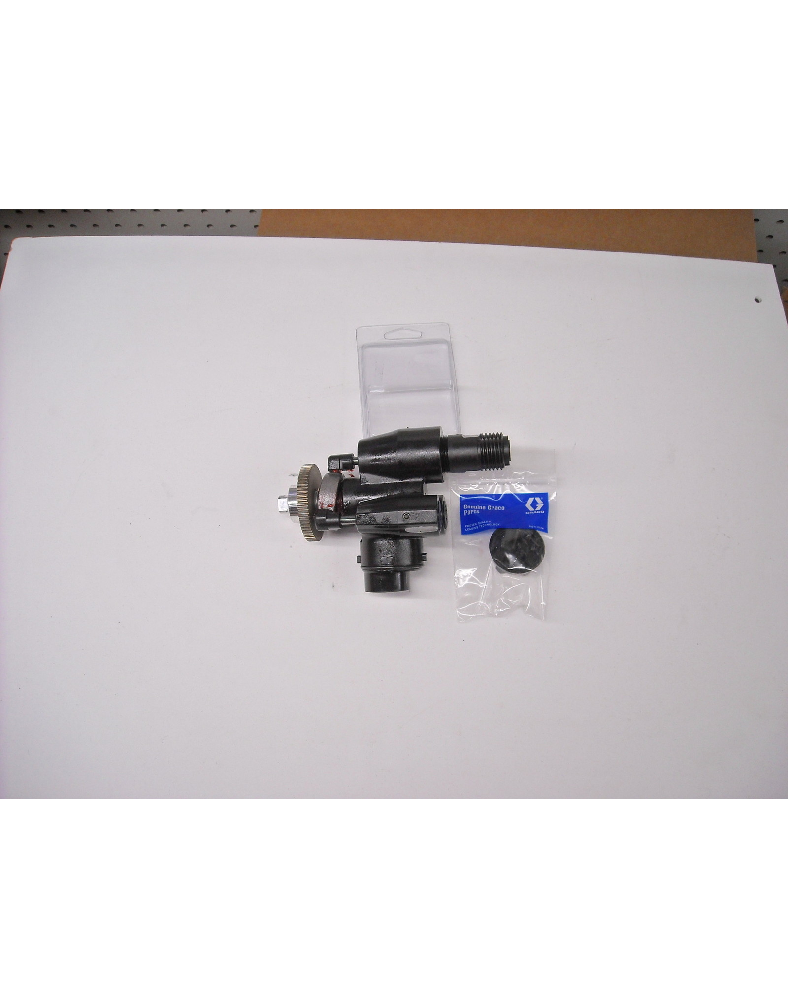 Graco 17P187 Fluid Section, Free Shipping