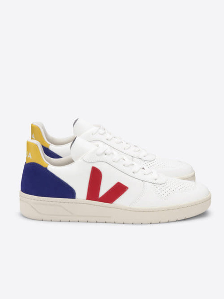 blue, red et yellow | Veja - Betina Lou