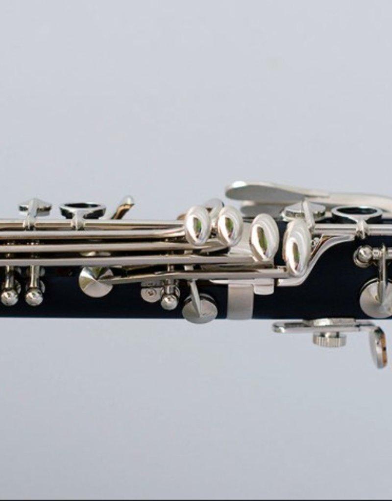 Lyrique 570C Hard Rubber C Clarinet