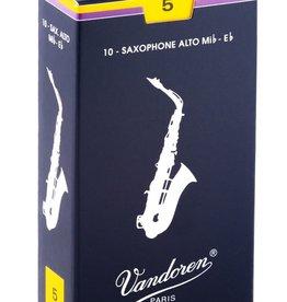 Vandoren Traditional Alto Sax Reeds - Box of 10