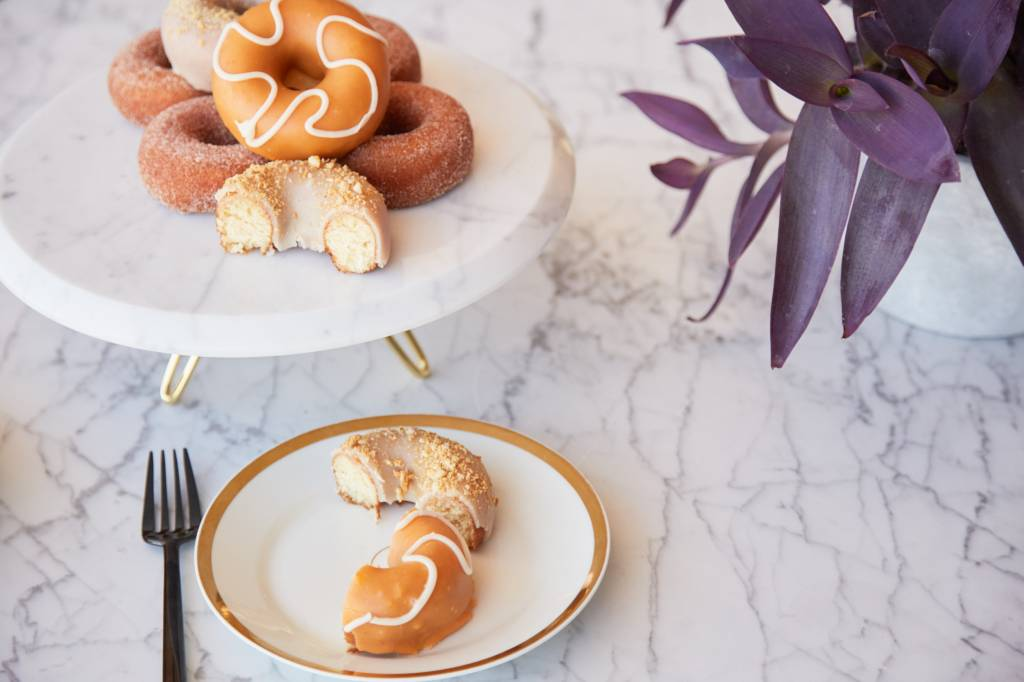 Anna by Rablabs Torta Cake Stand | Carrara Marble and Gold