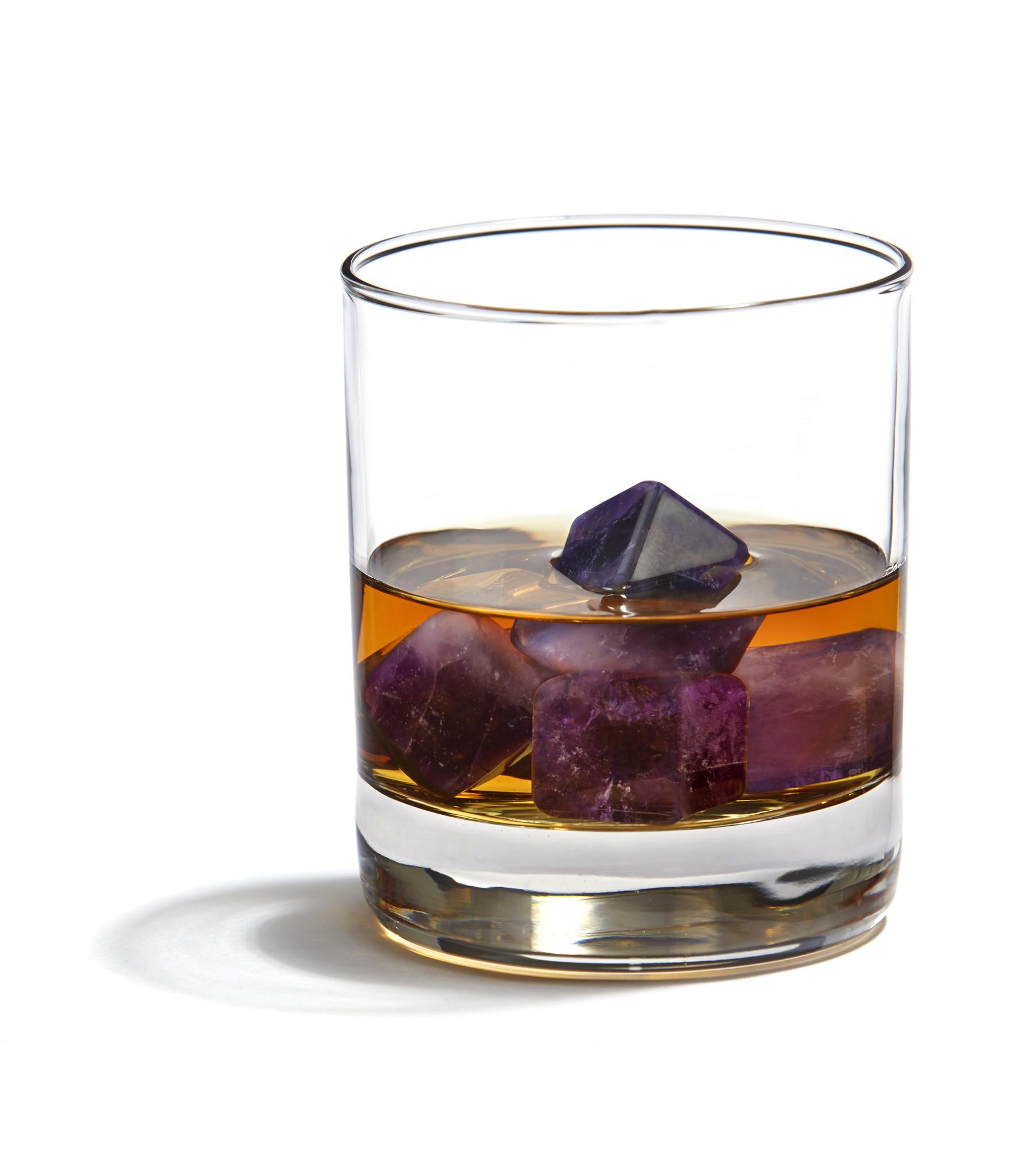 Anna by Rablabs Vida Whiskey Cubes in Amethyst