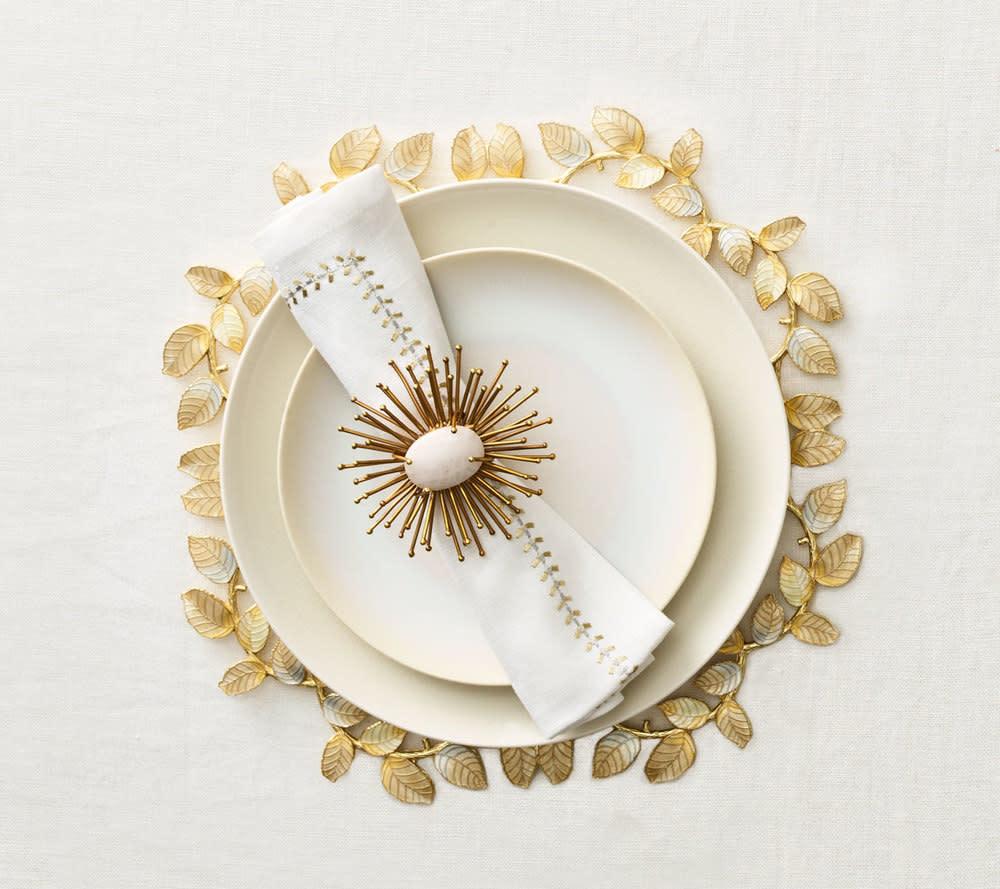 Kim Seybert Herringbone Napkin - White/Gold