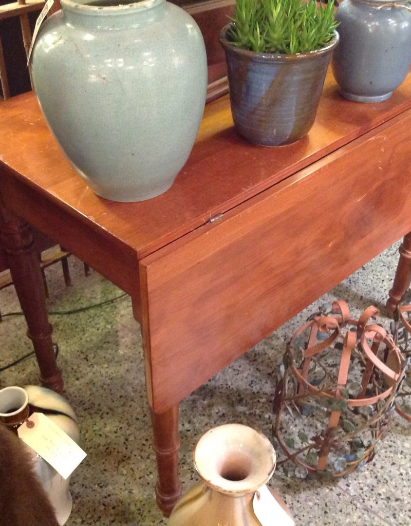 Table, drop leaf, vintage, wooden
