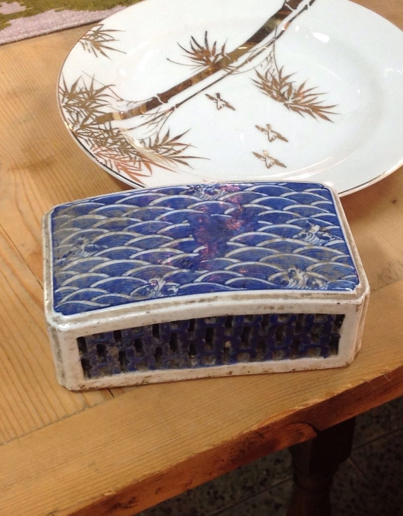 Paper weight, 1880s, ceramic, blue, white