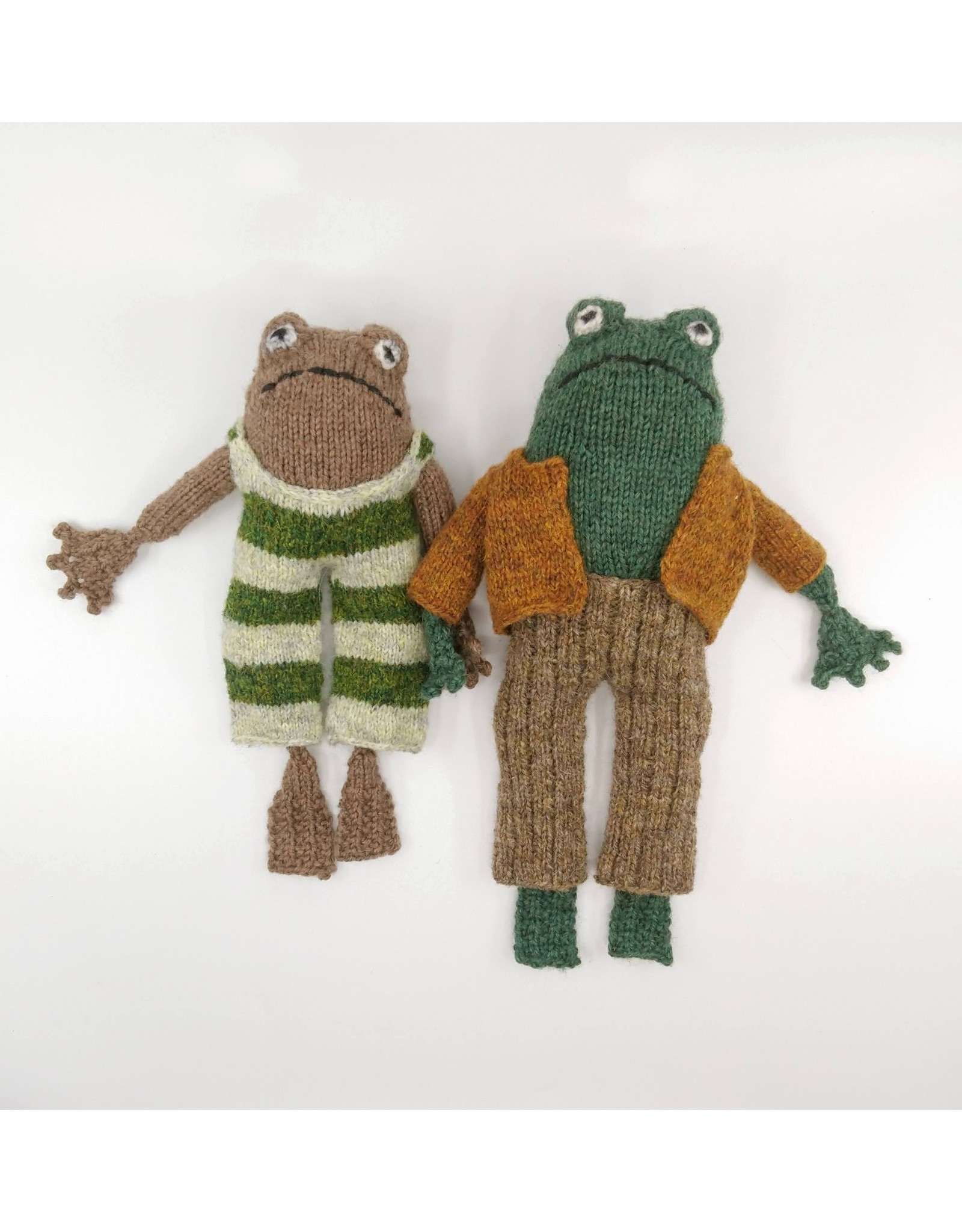 Stranded by the Sea Frog and Toad Knitting Kit