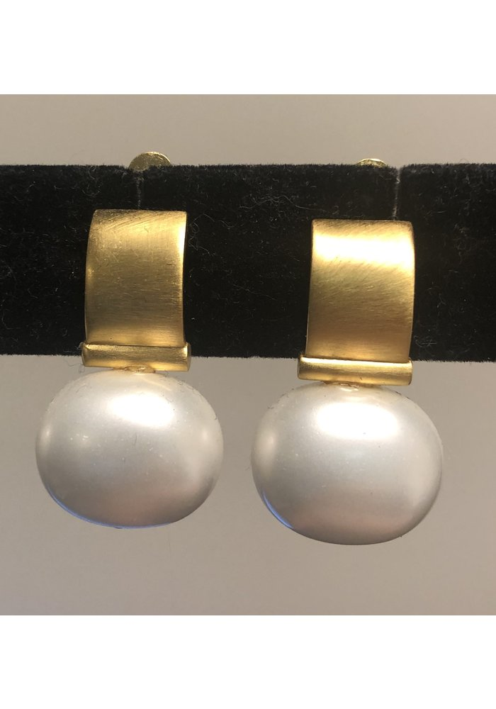 Catherine Canino Large Pebble Pearl Clip Earrings