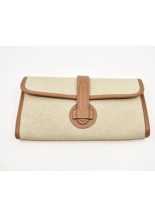 Canary Palm Light linen with brown leather clutch