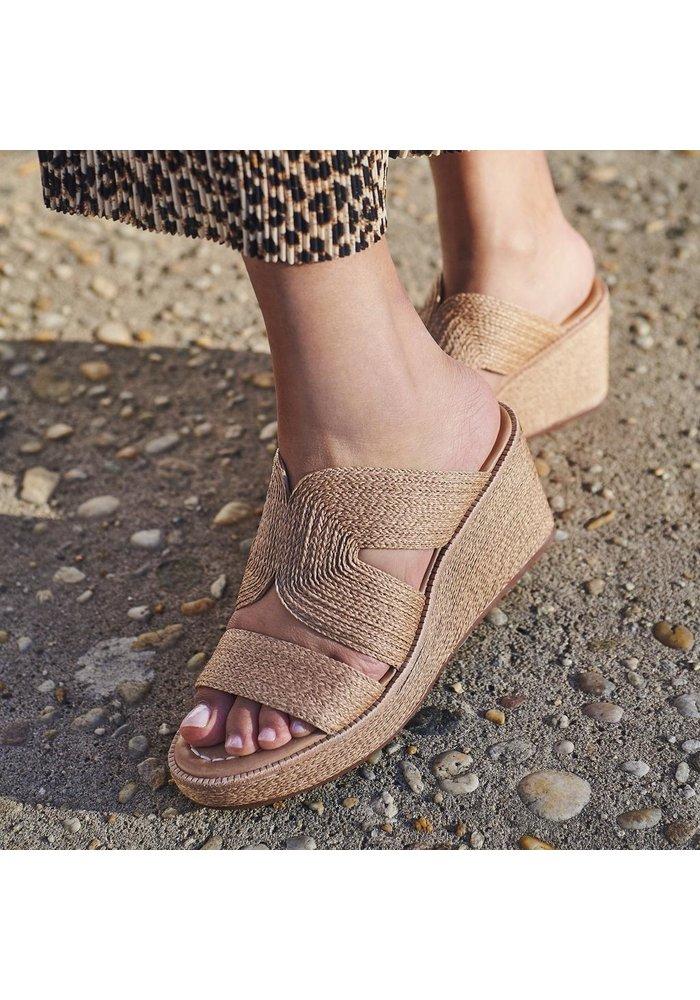 Bernardo Kaia Wedge Slide Sandal