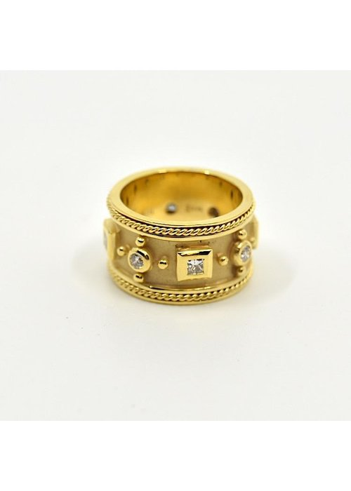 Mazza Mazza Etruscan Style 14k gold and .96ct diamond ring. Size 7