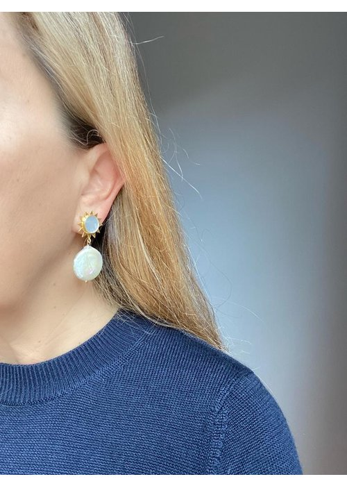 Dina Mackney Mother of pearl and coil pearl starbust earrings