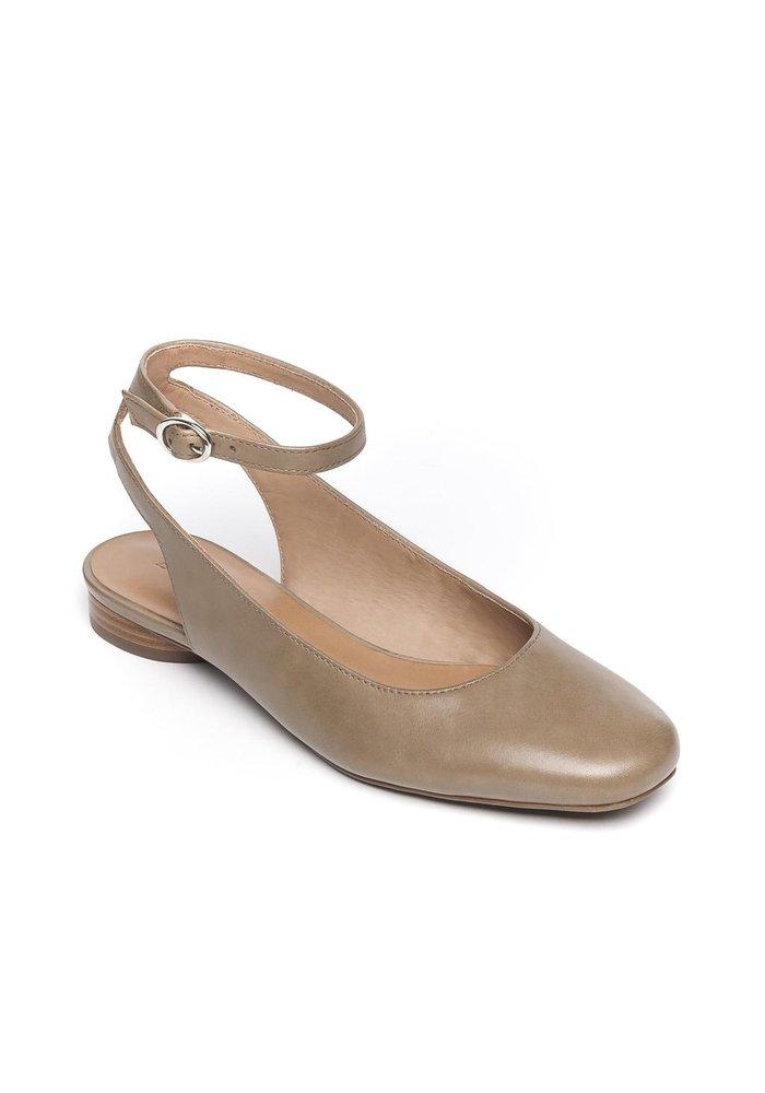 Bernado Ellie Mary Jane Shoe