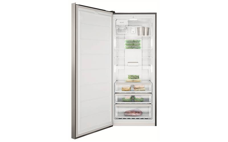 Factory Second Electrolux 425L freezer with automatic icemaker EFE4227SA