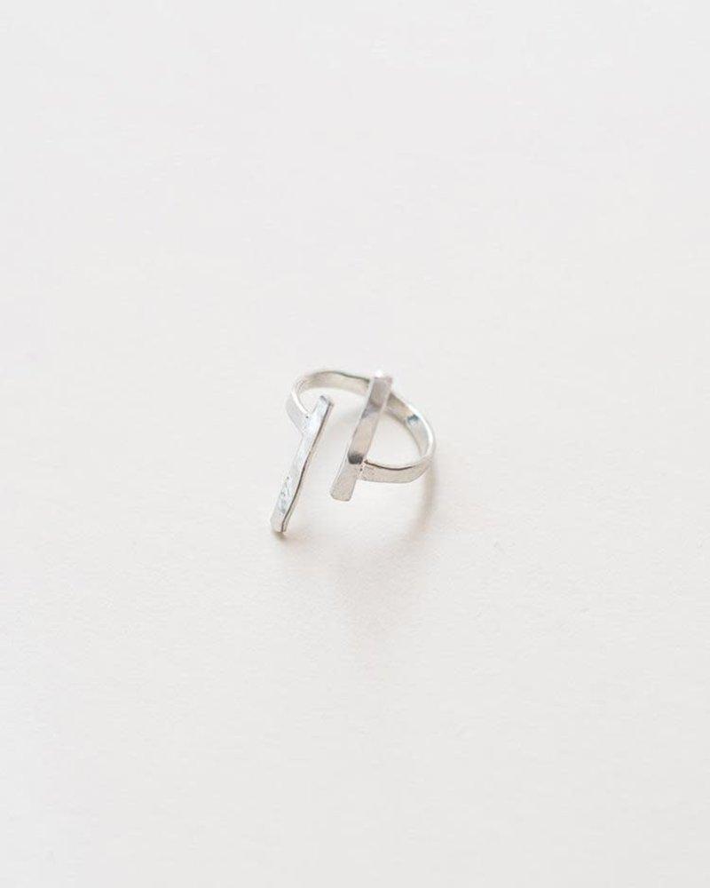Mata Traders Mata Traders Hammered Couplet Ring
