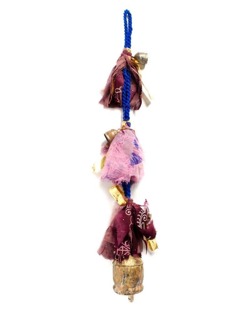 Matr Boomie Matr Boomie Sari and Song Hanging