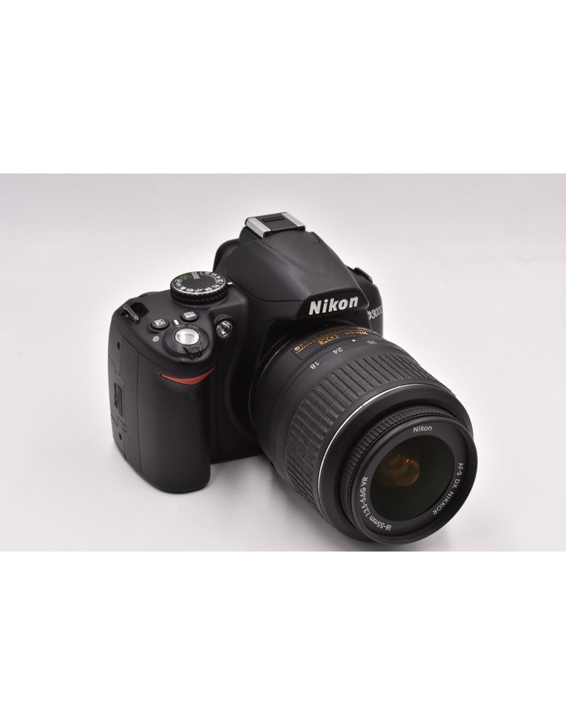 Nikon Pre-Owned Nikon D3000 With 18-55mm VR
