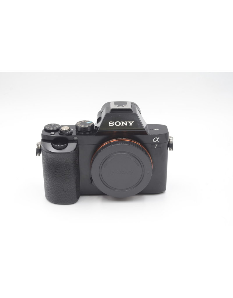 Sony Pre-Owned Sony A7 With VG-C1EM Grip