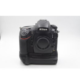 Nikon Pre-Owned Nikon D800 With MB-D12