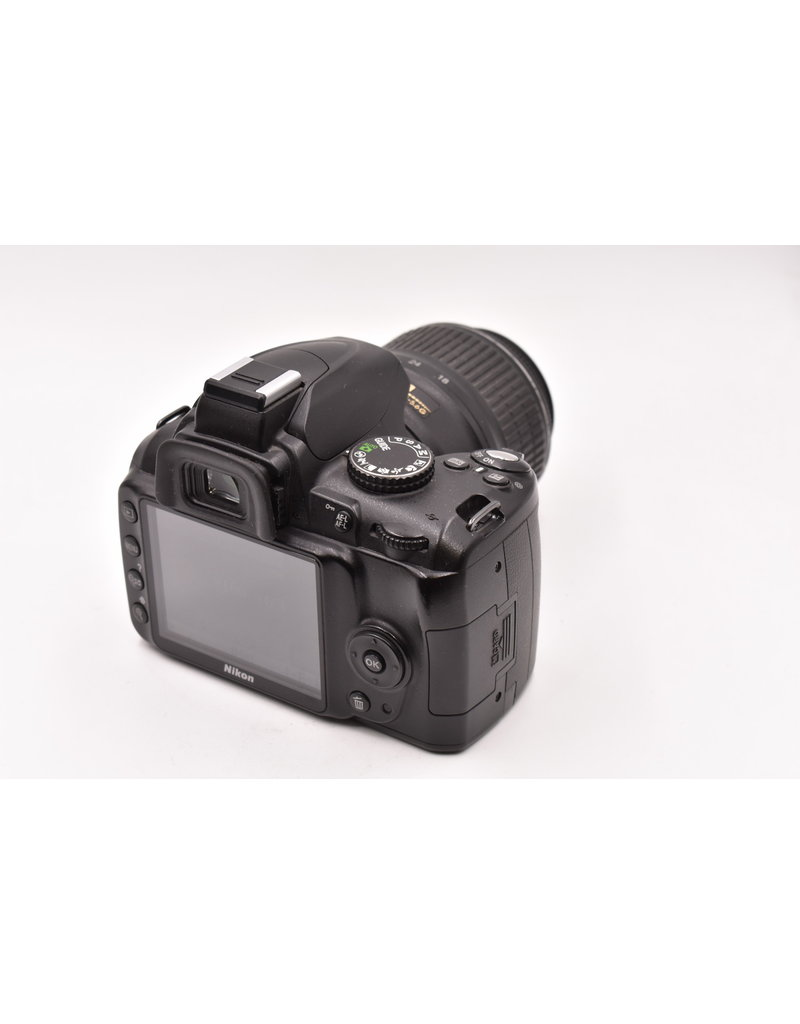 Nikon Pre-Owned Nikon D3000 With 18-55mm