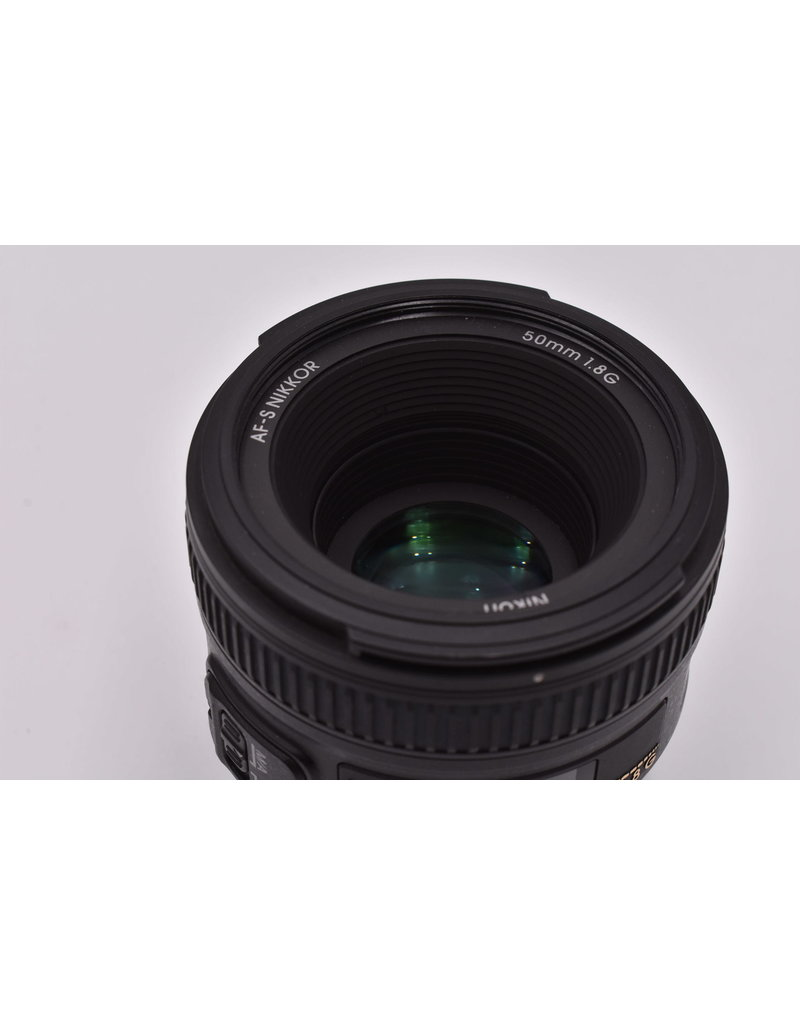 Nikon Pre-Owned Nikon 50mm F/1.8 G With Hood