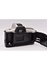 Pre-Owned  Minolta Maxxum QTsi 35mm Cameras Body