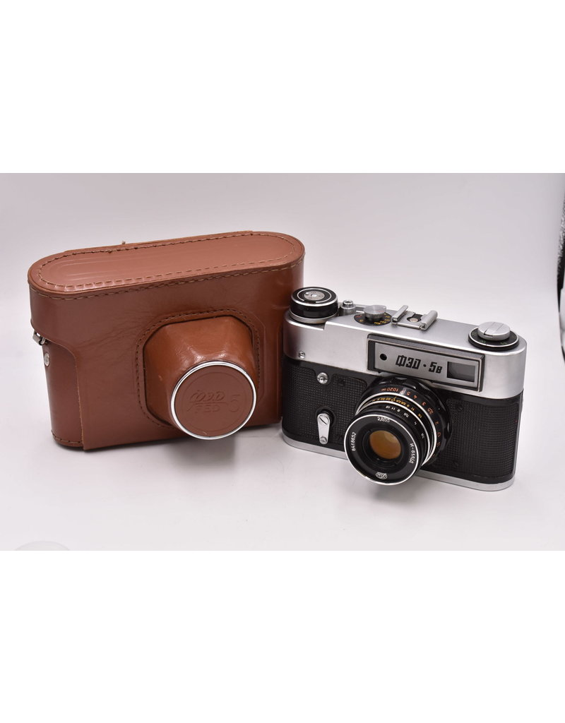 Pre-Owned  FED-5B Russian Rangefinder 35mm Camera in Black and 55mm F2.8 Lens