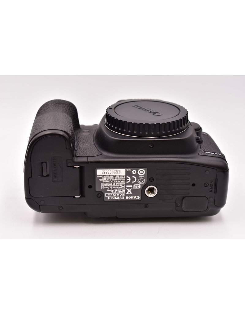 Canon Pre-Owned Canon D5 Mark II Body