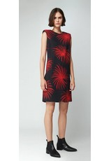 Victoria Beckham Victoria Beckham Raised Shoulder Shift Dress