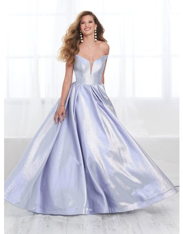 tiffany Design Tiffany Design 16399 color: Sky, Size: 12