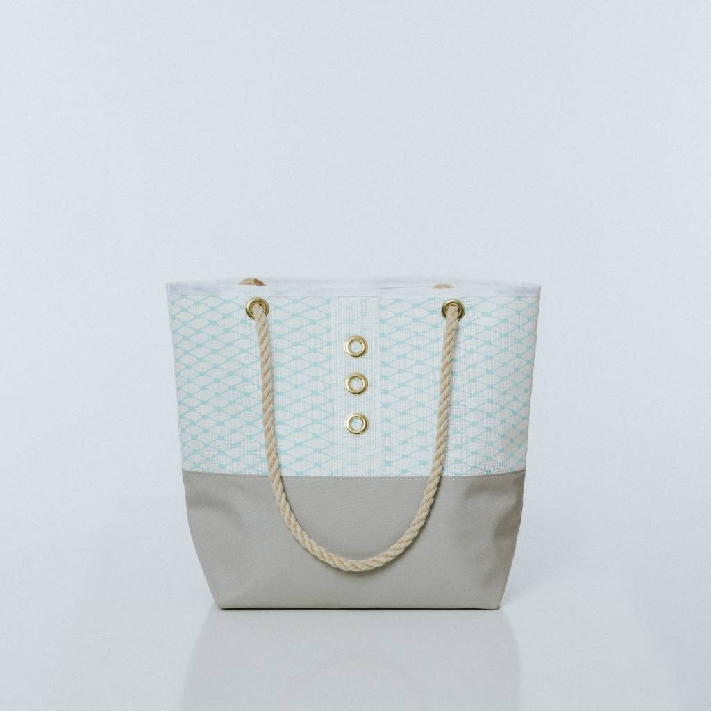 Alaina Marie ® Sooting Sea & White Tote