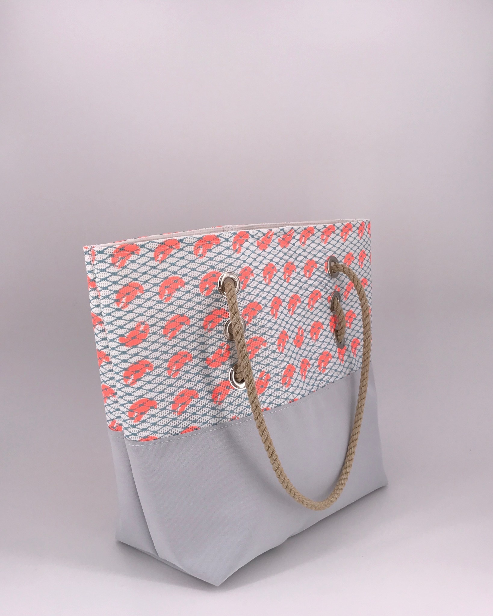 Alaina Marie ® Mini Coral Lobster Claw with Reef Waters Net & Silver Tote