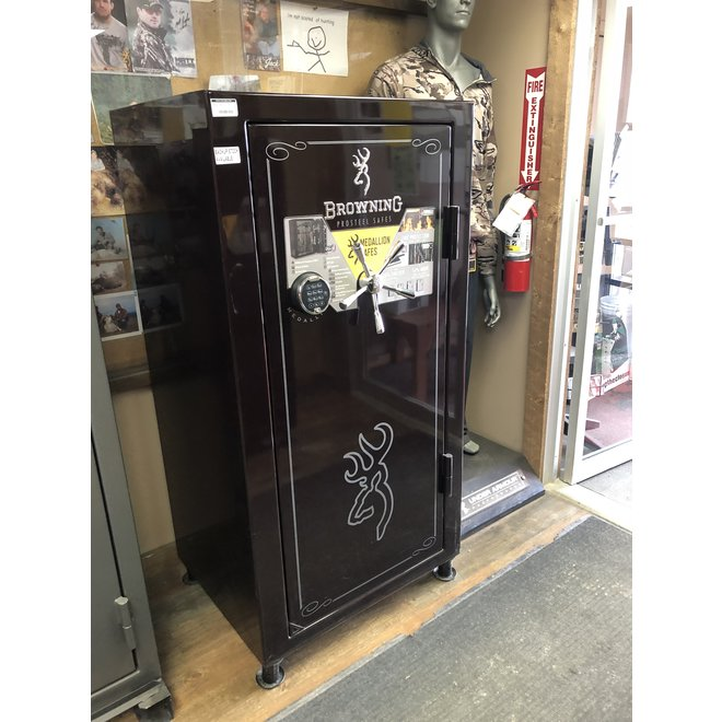 Browning Medallion Series Gun Safe - 33 Gun