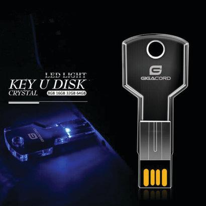 Gigacord Gigacord 32GB USB 2.0 Key Shape, Clear Blue LED Flash Drive