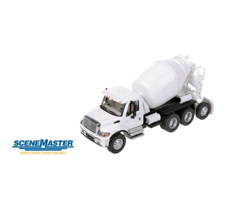 Walthers : HO Intl 7600 3-Ax Cement Wht